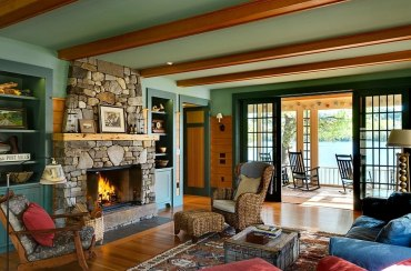 Breezy-summer-charm-coupled-with-rustic-style-in-the-living-area