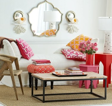Bright-reds-steal-the-show-in-this-moroccan-living-room