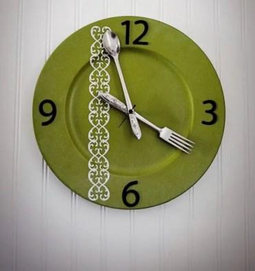 Diy-silverware-kitchen-clock