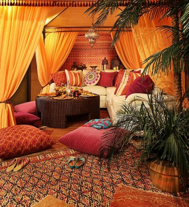 Give-your-living-room-an-authentic-moroccan-look-with-rugs-floor-pillows-and-moroccan-prints