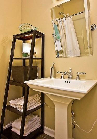 Perfect-shelving-option-for-the-compact-powder-room
