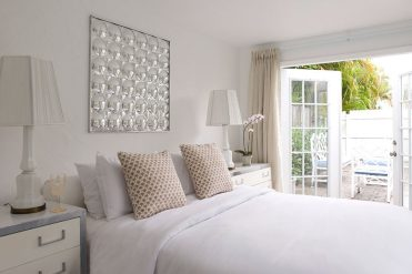 Dam-images-decor-2014-08-hase-miami-house-amy-todd-hase-palm-beach-07-guesthouse