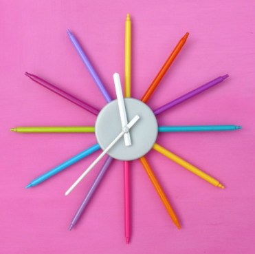 Diy-colorful-wall-clock-for-a-kids-room