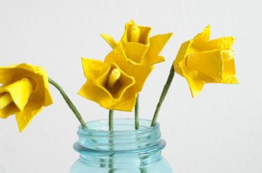 Egg-carton-daffodils2-768x510-1