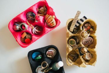 Organizers-using-recycled-egg-cartons-768x512-1