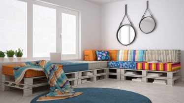1-pallet-couch-with-storage-mar18