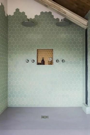 3-31-green-shower-hexagonal-tiles-towards-the-ceiling