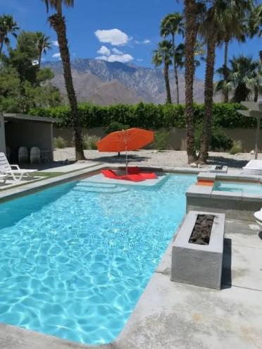 Floating-pool-lounge-furniture-