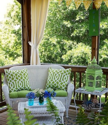 Joyful-summer-porch-decor-ideas-36-554x638-2