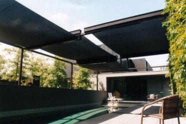 Retractable-canopy-ideas-pool-shade-outdoor-swimming-pool-design-ideas