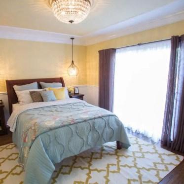 1-bp_hhurt307_yellow-guest-bedroom-after_h.jpg.rend_.hgtvcom.651.651