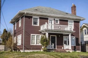 1-classic-american-building-apr082020-min