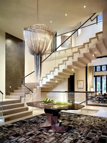 1-lampadario-moderno-illumina-30-idee-di-stile-di-lusso-per-la-casa-7-935