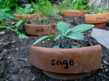 15-cute-diy-garden-marker-ideas-for-your-spring-garden-14