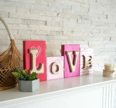 2-3wood-block-valentines-day-decor-decoart-6975