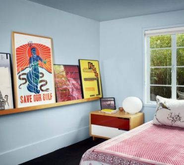 30-ideas-for-decorating-wall-with-posters-a-vintage-atmosphere-in-modern-interior-design-24-434