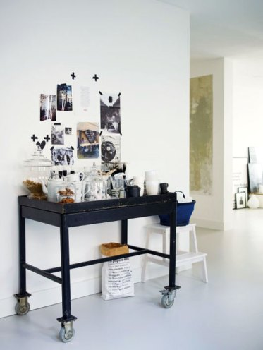 Black-and-white-vintage-cart-used-for-coffee-station