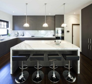 Contemporary-kitchen-with-marble-touches