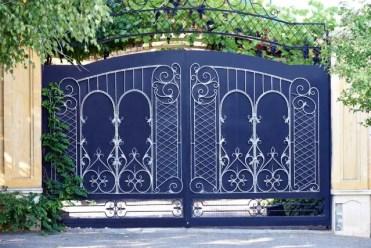 Metal-gate