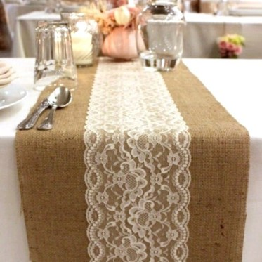 Beautiful-table-decorating-ideas-burlap-and-lace-table-runner-festive-table-ideas