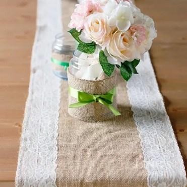Burlap-table-runner-diy-ideas-burlap-with-lace