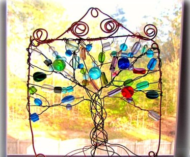 Colorful-diy-suncatchers-to-make-with-kids-3-1