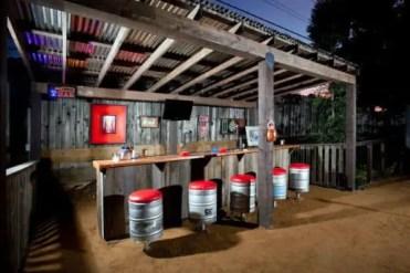 Idee-decorazione-bar-all'aperto-1