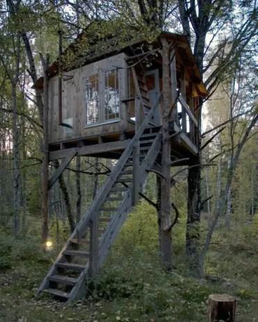 Idee rustiche per la casa sull'albero