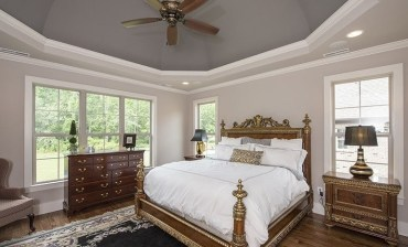 Traditional-style-primary-bedroom-feb192021-01-min