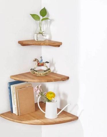 17-idee-scaffale-angolo-homebnc