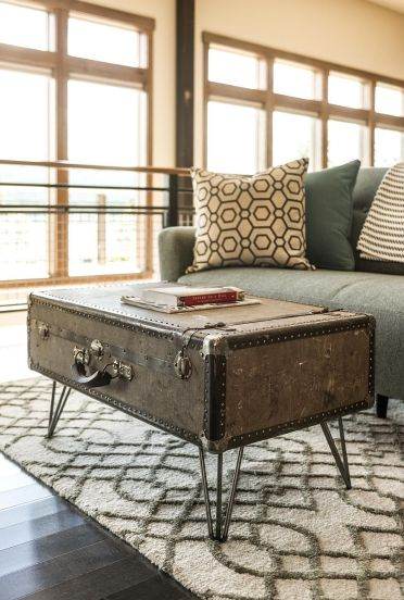 2-fabulous-diy-upcycled-suitcase-coffee-table