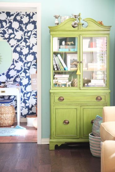 2-living-room-china-cabinet