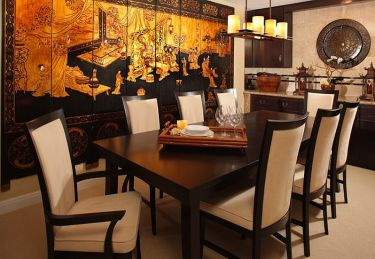 Stunning-print-on-the-wall-creates-the-perfect-background-for-a-chinese-style-dining-room