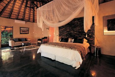 Bedroom-decorating-with-safari-theme