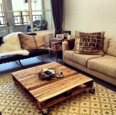 Cool-furniture-from-euro-pallets-55-craft-ideas-for-recycled-wooden-pallets-3-363