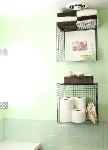 Hanging-baskets-on-the-wall-bathroom-organization