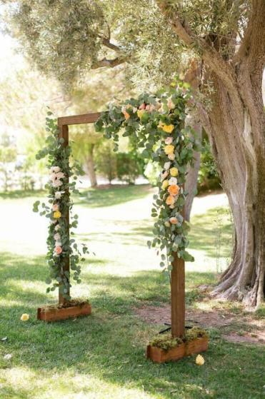 Simple-and-budget-rustic-wedding-altar-wedding-party-ideas