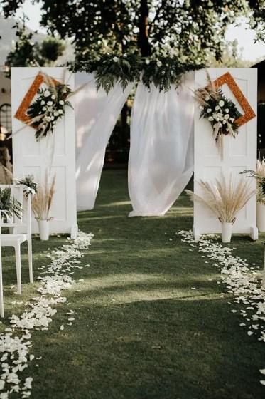 Simple-romantic-rustic-white-wedding-arch-ideas