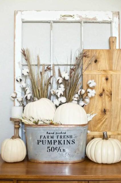 01d-farmhouse-fall-decorating-ideas-homebnc-v3
