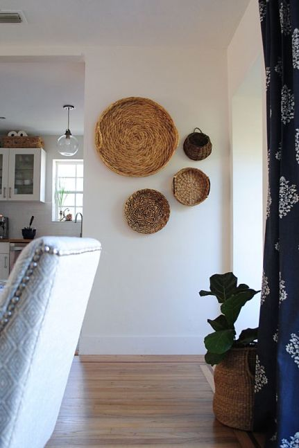 03-wall-baskets-and-a-basket-planter-echo-with-each-other