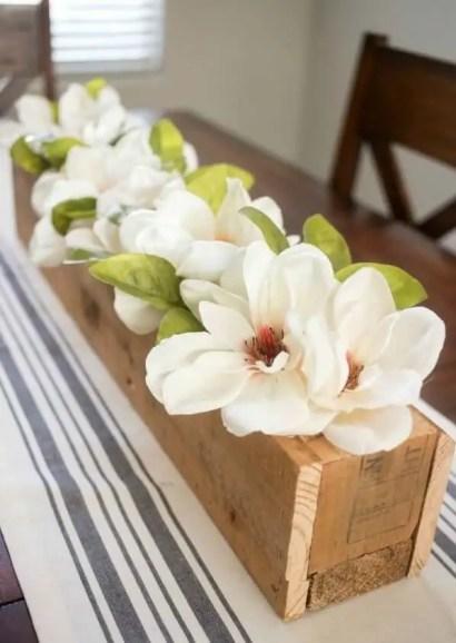 03d-rustic-wooden-box-centerpiece-ideas-homebnc-v3