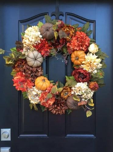 07-burlap-pumpkins-and-silk-flowers-wreath-for-fall