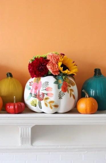 1-diy-pumpkin-painting-ideas-diy-floral-pumpkin-vases-by-pretty-life-girls-600x924-1