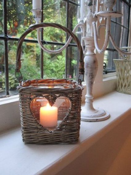 17-basket-turned-into-a-candle-holder