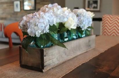 29d-rustic-wooden-box-centerpiece-ideas-homebnc-v3