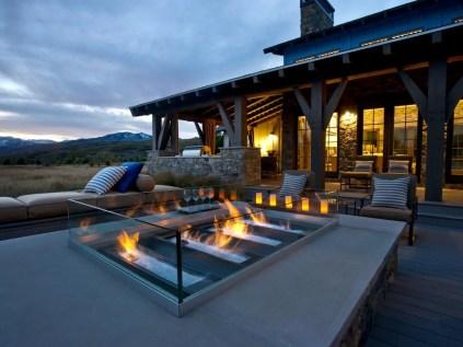 46-not-fanning-the-flames-outdoor-fireplace-idea-homebnc