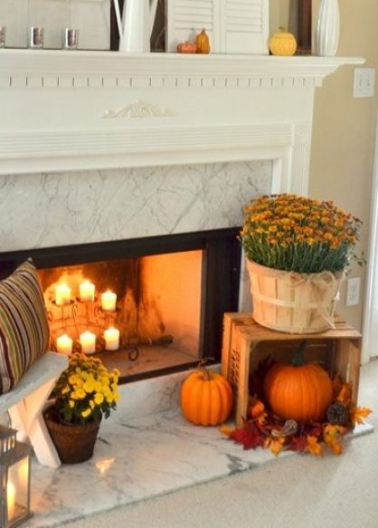 62-exciting-fall-mantel-decor-ideas-10