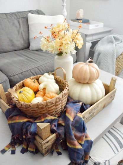 Autumn-decorating-ideas-for-your-living-room-coffee-table-14