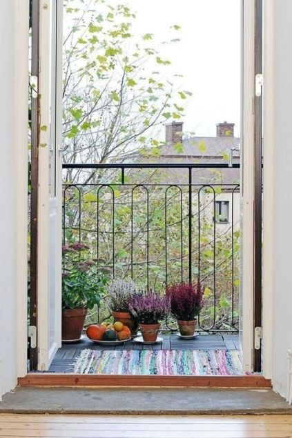 Autumn-decoration-in-the-balcony11