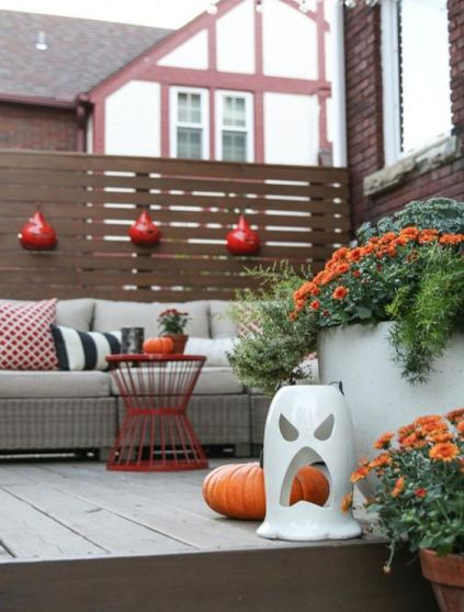 Autumn-decoration-in-the-balcony19